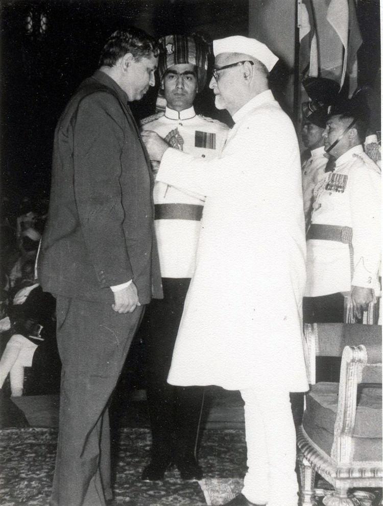 P.L. Bhatnagar receiving the Padma Bhushan from President Zakir Hussain in 1968.courtesy Phoolan Prasad/Indian Mathematical Society