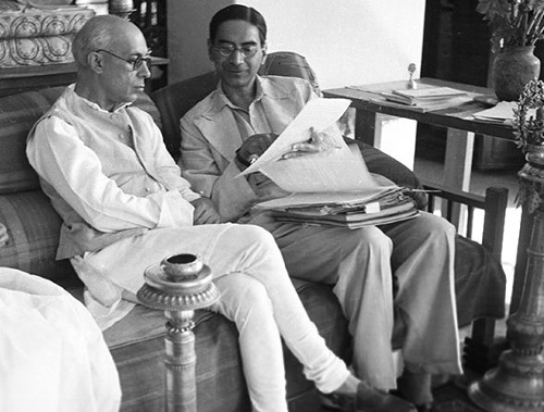 Jawaharlal Nehru and Mahalanobis at Amrapali in 1945 ISI Archive