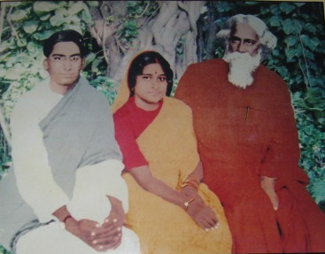 Rabindranath Tagore with Mahalanobis and his wife Rani at Alipore in 1926