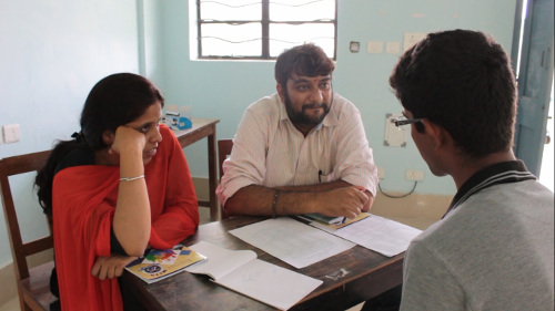 Sweta Tiwari (left) and Ananthnarayan Hariharan (centre) in a counselling session