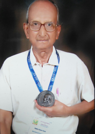 R.C. Gupta with the Kenneth May Medal courtesy K. Ramasubramanian